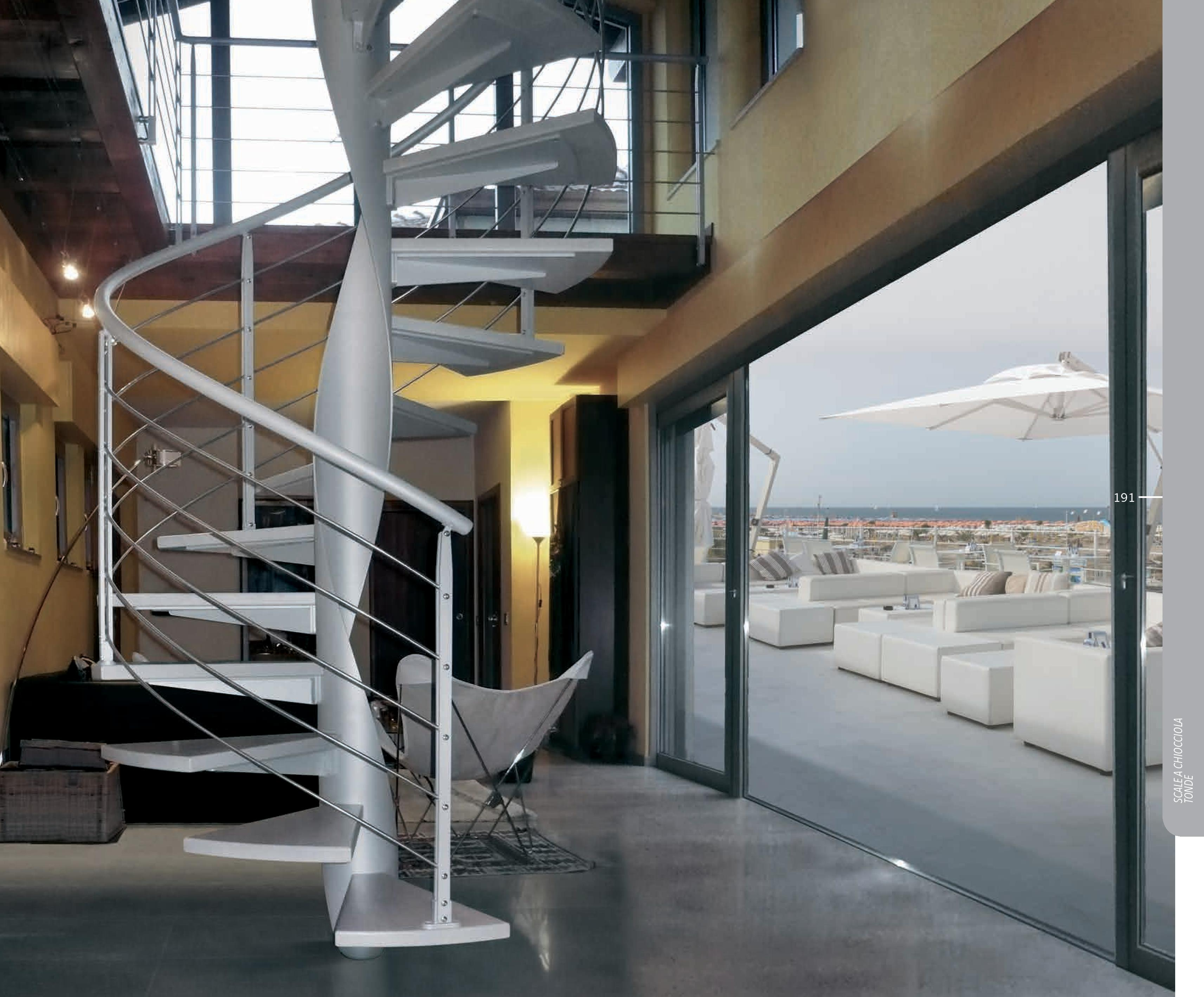 scale di design elicoidale e a chiocciola duelle scale