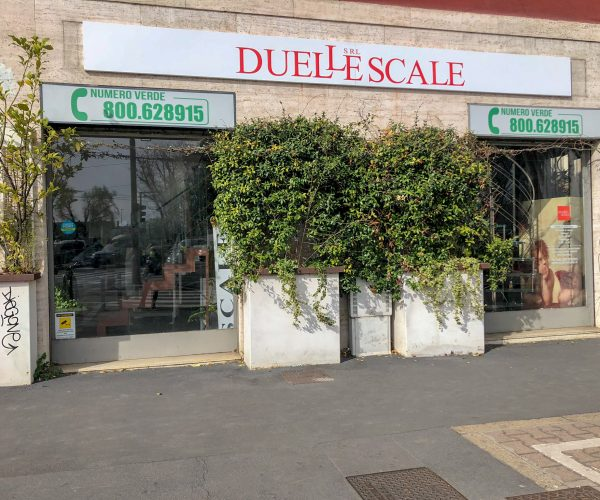 Duelle scale showroom Milano